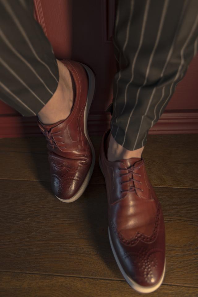 נעל צבע בורדו בשילוב לבן, תמונה 1
