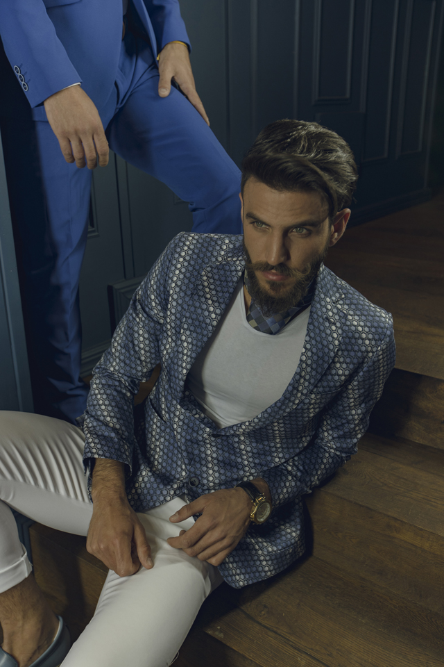 חליפת ערב צבע כחול בשילוב לבן