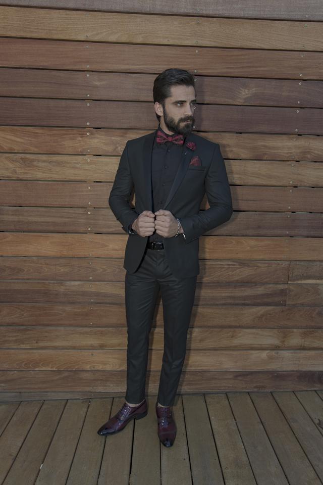 חליפת קולקציה חדשה צבע שחור בשילוב בורדו בעיצוב ייחודי, תמונה 1