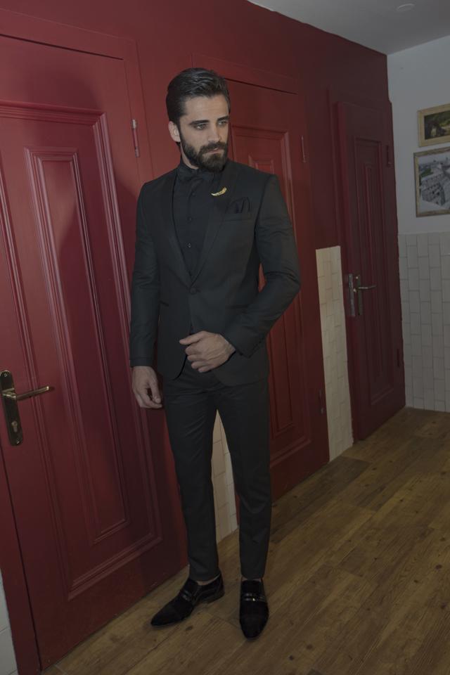 חליפת גורמה צבע שחור, תמונה 1